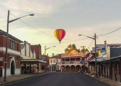 Balloon Main st 1920px